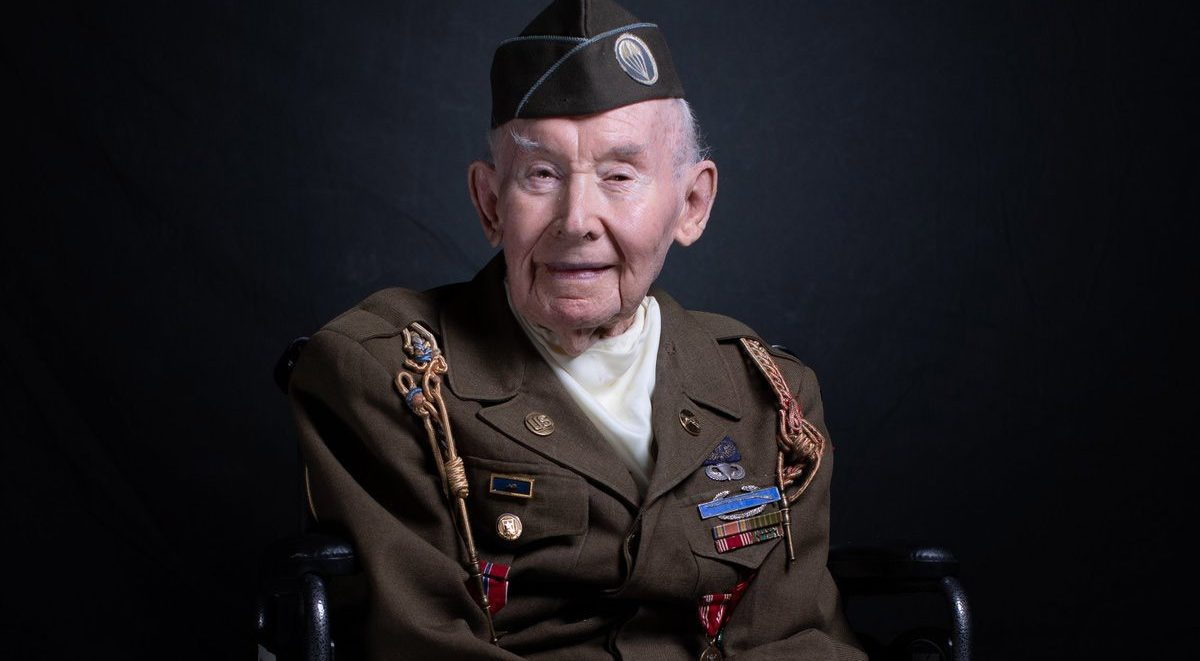 WW 2 Veteran in Dress Uniform